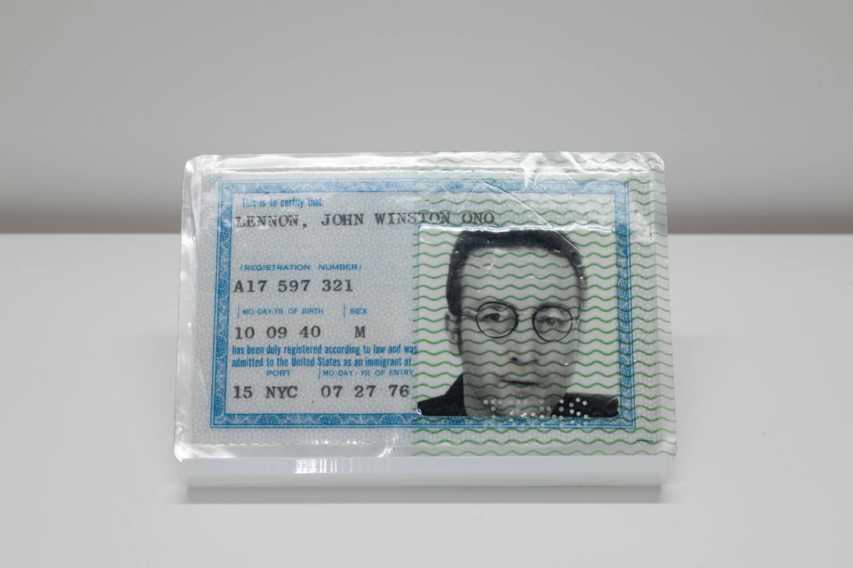 ジョンが苦労して獲得したグリーン・カード