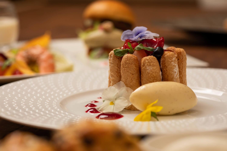 グランデザート シャーロットルッセ バニラアイスクリームとベリーのクーリー イメージ