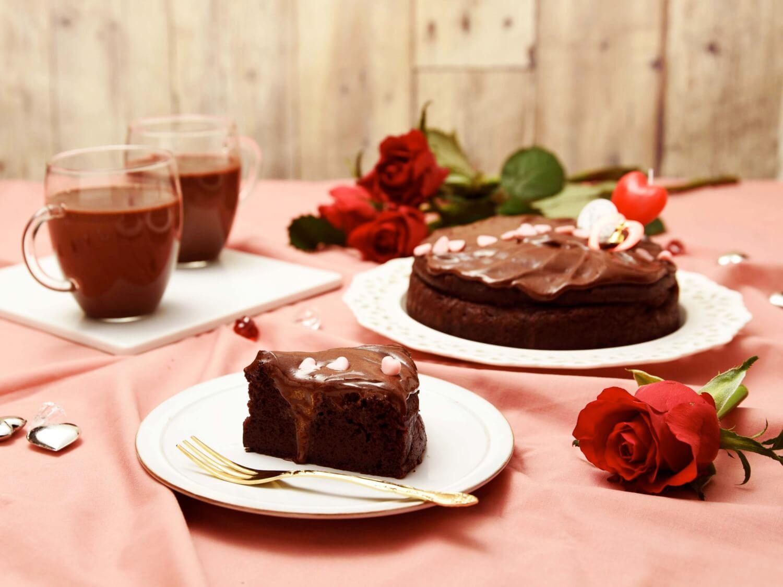 砂古玉緒の英国チョコファッジケーキ&名探偵のホットチョコ
