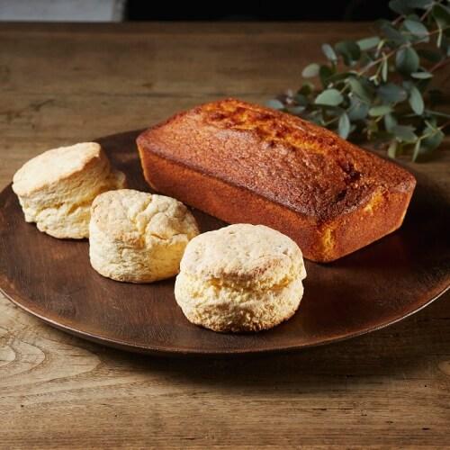 英国菓子・レモンドリズルローフと田舎の大きなスコーン