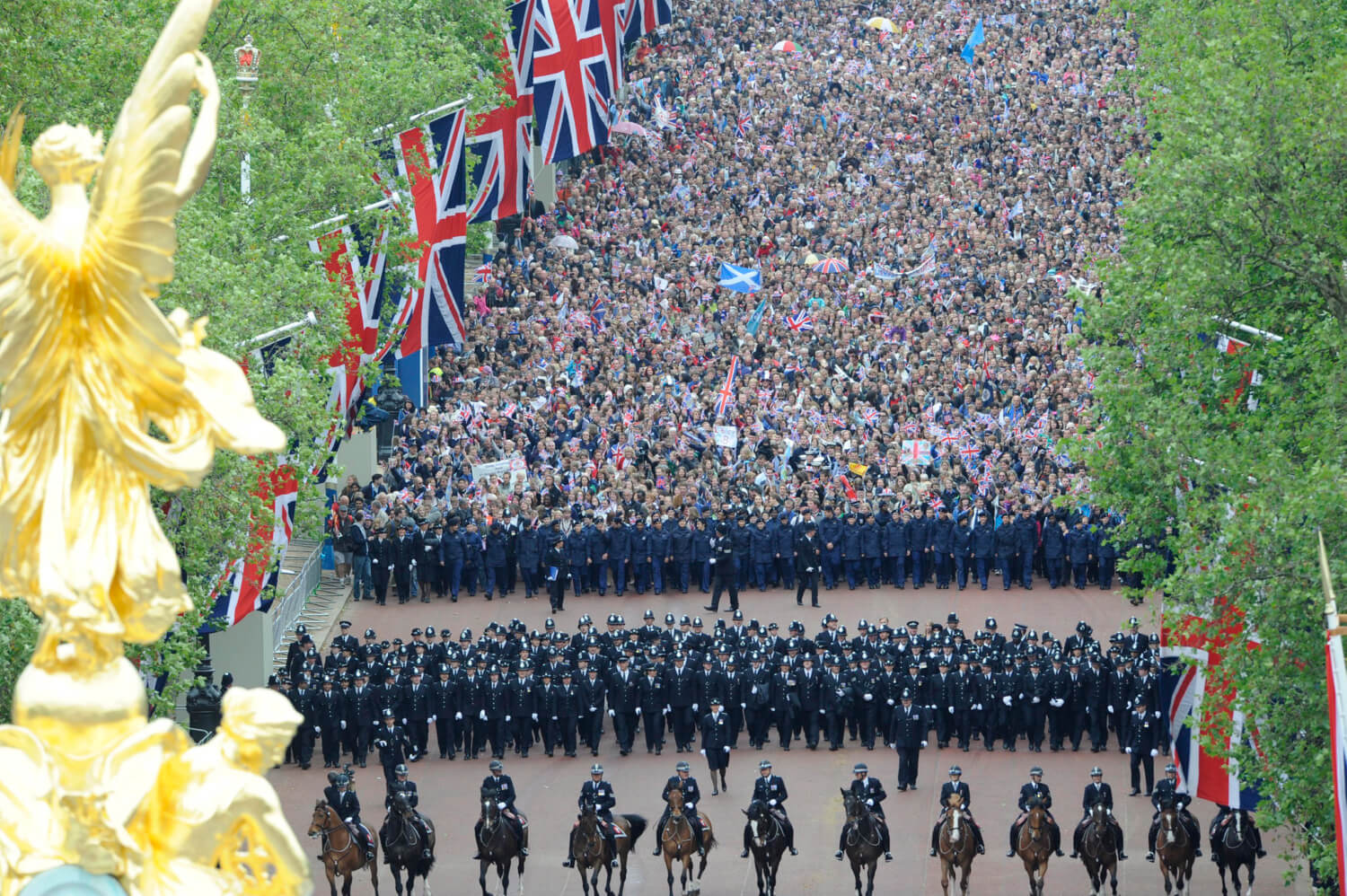 Crowds On The Mall for Queen's Diamond Jubilee Celebrations