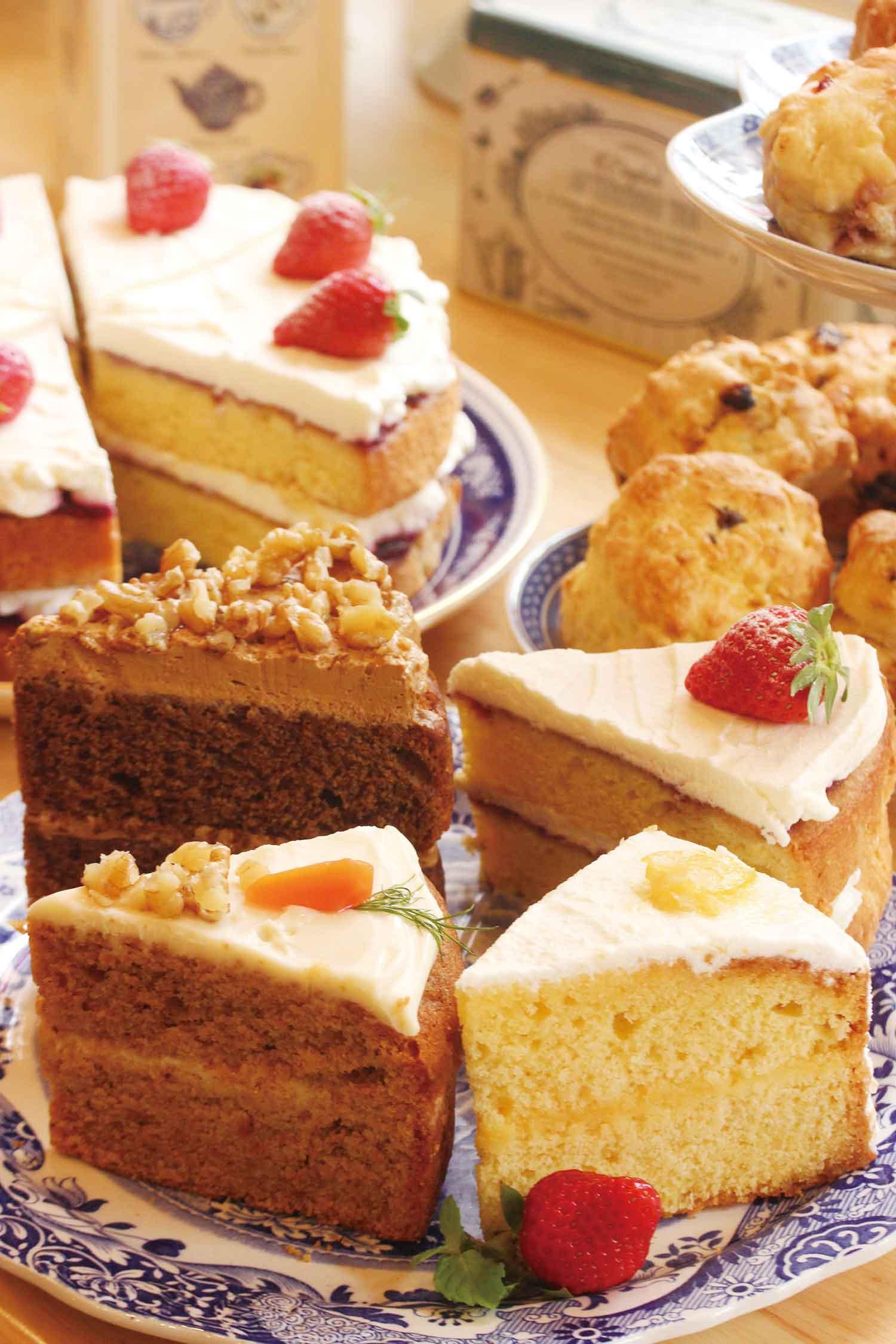 【実演】ハーブ料理研究家つちやよしこの「ハーブストーリーカフェ」のケーキ各種(1ピース)648円から
