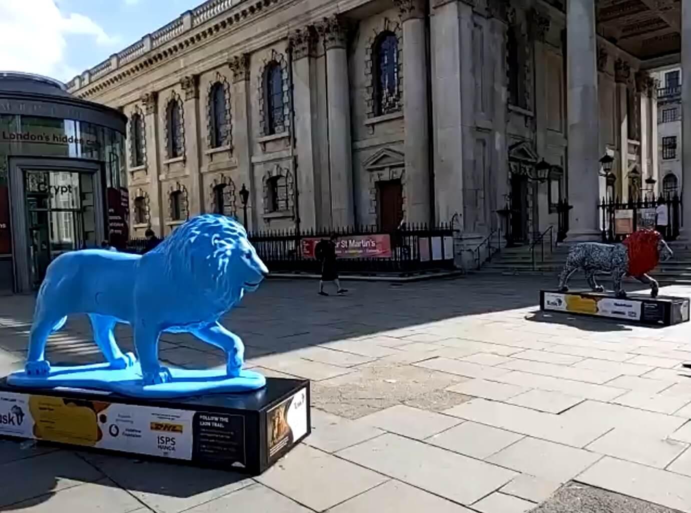 セント・マーティン・イン・ザ・フィールズ教会_チャリティーのライオン像