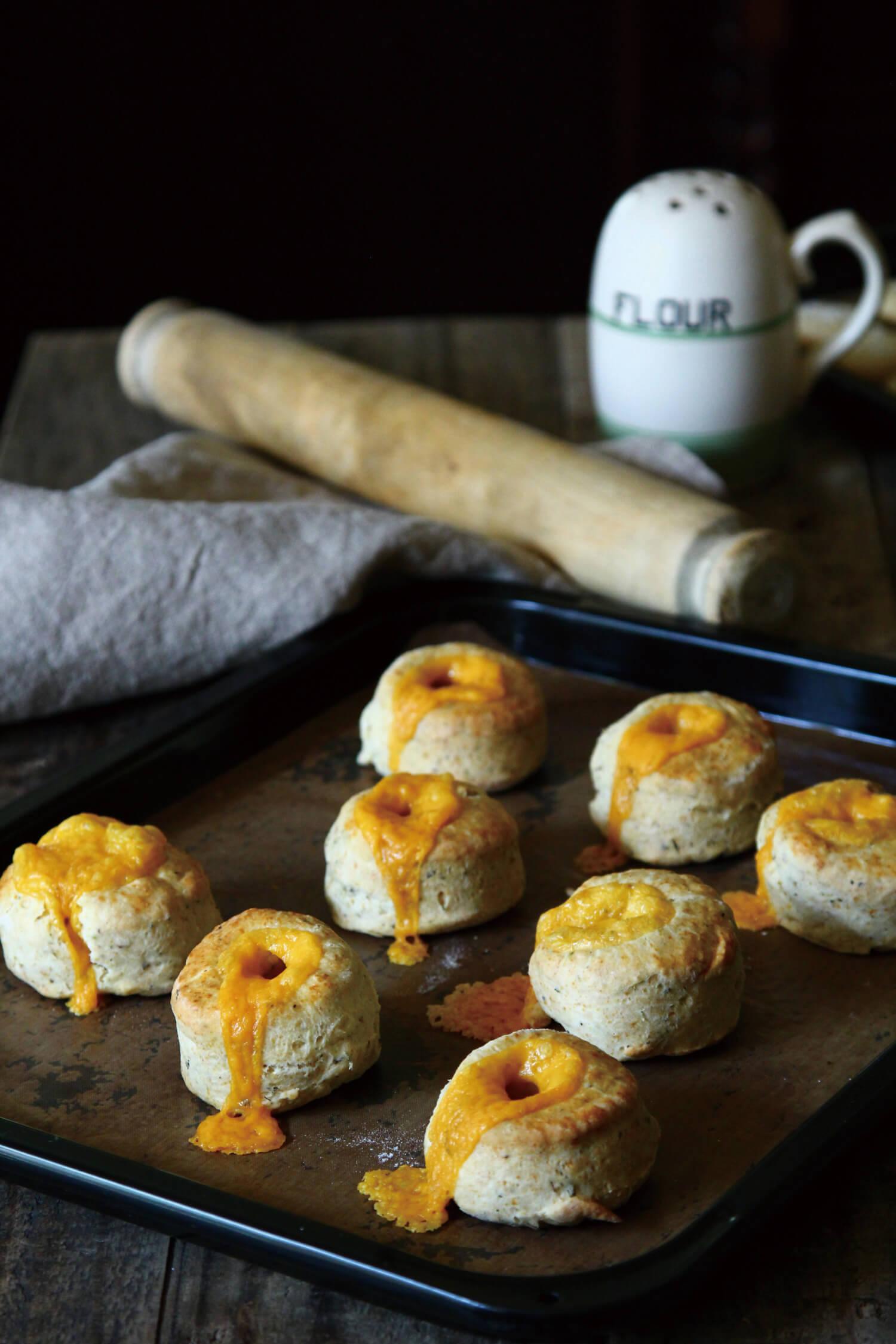 British Savoury Baking イギリスの古くて新しいセイボリーベイキング中面